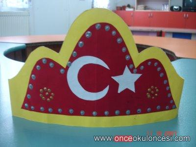 Türk Bayraği Taç