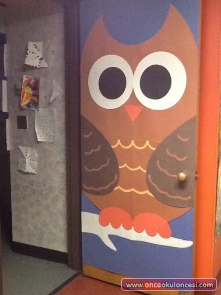 Giant-Owl-Classroom-Door-Decoration-Idea.jpg