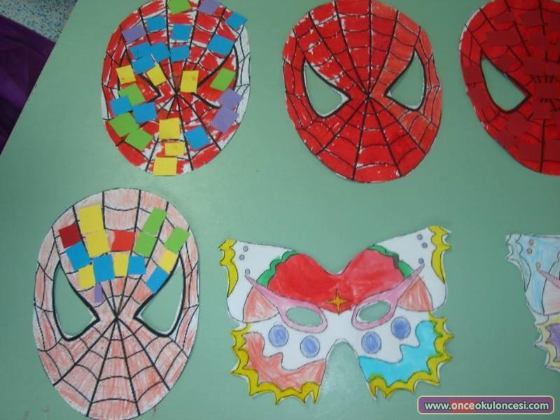 Kızlara Kelebek Erkeklere örümcek Adam Maskeleri